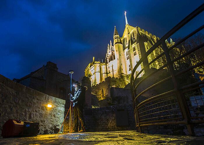 Apmēram 30 citas prestižas ēkas, piemēram, Mont-Saint-Michel, ir digitalizētas 3D formātā. Ar Art Graphique & Patrimoine atbalstu.